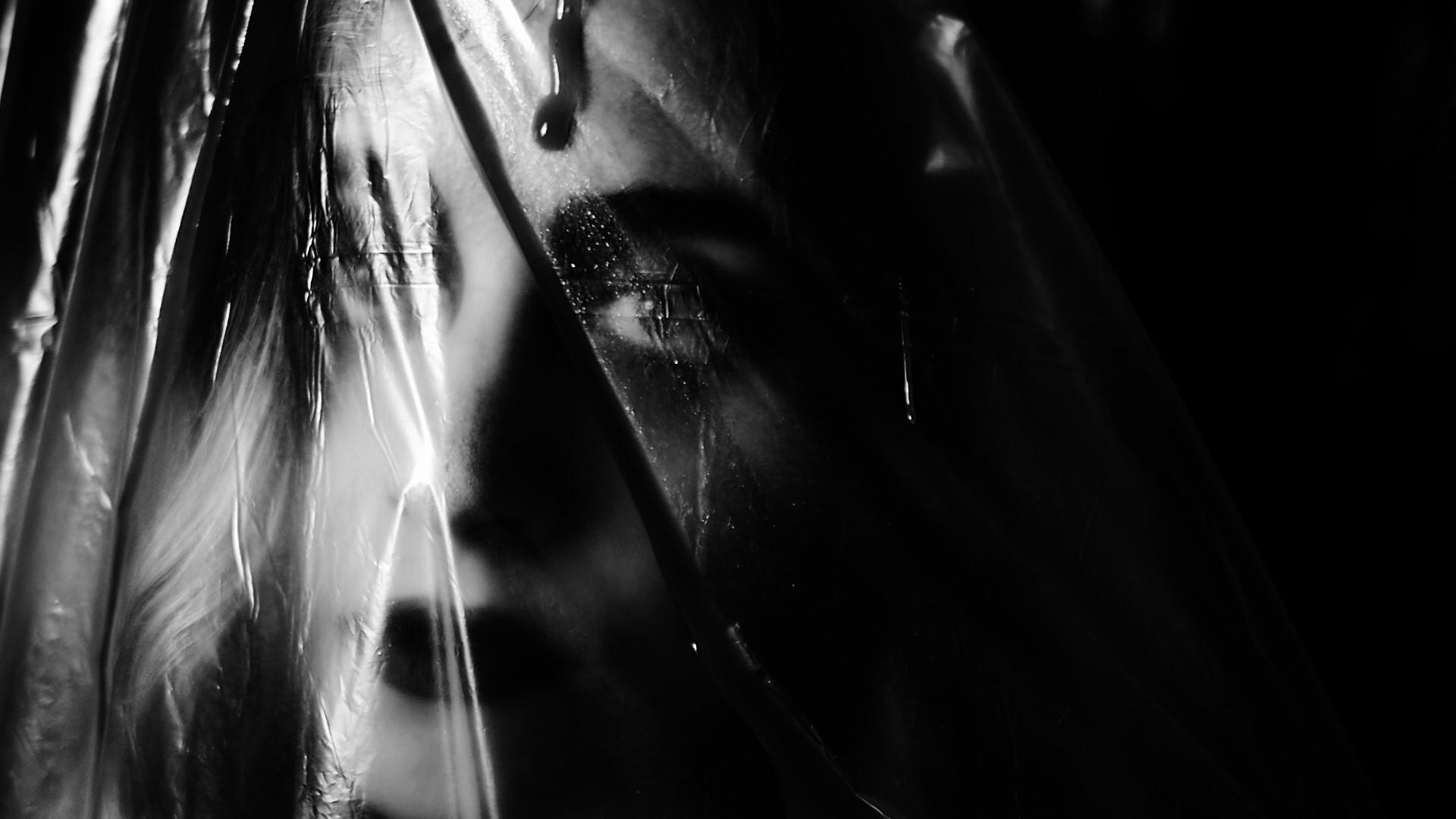 denuit - blood tears